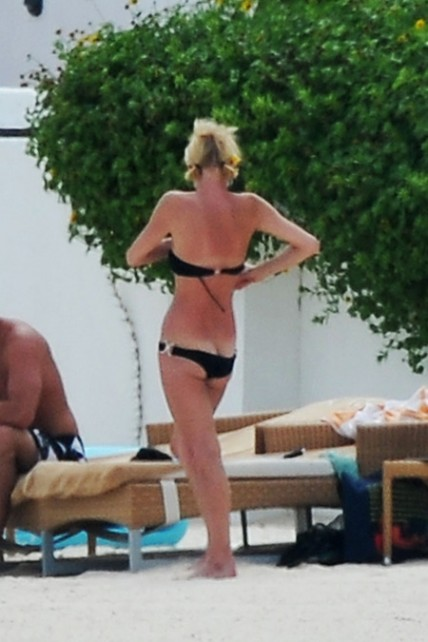 Paris Hilton Bikini Butt Crack